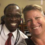 Annica tillsammans med Court preparation officer Ntuthuko Ngobese